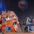 Сцена из спектакля «Волк и семеро козлят» Московского Театра юного зрителя